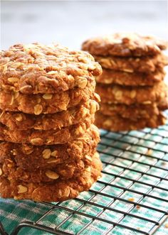 Traditional Food & Drink Around The World: Traditional Australian Food, , Traditional Australian Food, New Zealand Food, Anzac Biscuits, Aussie Food, Just Desserts, Cookie Recipes, Sweet Treats, Good Food, Food And Drink