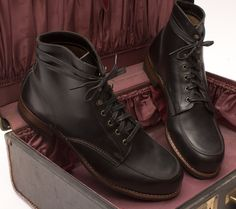 Wolverine 1000 Mile Courtland Moc-Toe Boot in Black