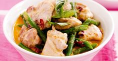 Lose yourself in this fragrant, flavourful Red chicken curry.