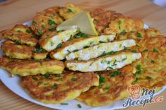 Střapaté francouzské kuřecí řízky | NejRecept.cz Vegetable Recipes, Meat Recipes, Chicken Recipes, Cooking Recipes, Healthy Recipes, Hungarian Recipes, French Food, Food To Make, Breakfast Recipes
