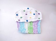 Cupcake pot holders/oven mitts by DeeDeesDetails on Etsy, $9.75