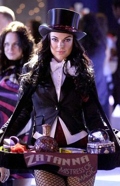 """Zatanna (Serinda Swan) - """"Smallville"""" TV series Witch and Superhero, one of the original members of the Justice League of America. Serinda Swan fills out her costume nicely. Female Comic Characters, Marvel Comic Character, Dc Comics Characters, Serinda Swan, Clark Kent, Smallville, Comic Book Artists, Comic Books, Superman"""