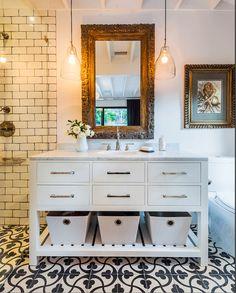 Del Oro eclectic bath, Santa Barbara. Lori Smyth Design.