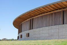 Galeria de Centro Equestre / Seth Stein Architects + Watson Architecture+Design - 7