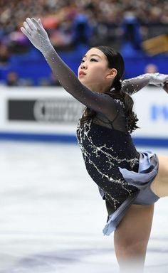 Best 9 Female Ice Skater in dark blue outfit – Page 425660602280437273 – SkillOfKing. Dancer Photography, Kim Yuna, Fitness Wear Women, Figure Skating Costumes, Beautiful Athletes, Fitness Motivation Pictures, Gymnastics Girls, Women Figure, Female Athletes