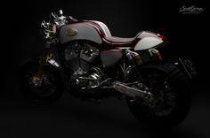 Awesome #CafeRacer! Harley-Davidson Sportster 1200 by South Garage Motor Co. Una #HarleyDavidson que no puedes perderte. Entra y mira todas las mejoras y piezas artesanales | caferacerpasion.com