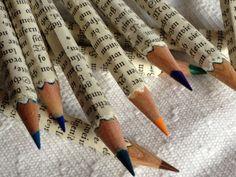 Farbstifte  /  Alte Stifte wieder flott gemacht - süße Idee. - probier ich sicherlich mit Bleistiften aus.
