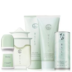 5 ways to layer your scent! Layer your signature scent from shower to powder to create an allover fragrance experience.Haiku -A soft, warm floral blooming with delicate jasmine, lilies and sparkling citrus. A $46 value, the collection includes:•Eau de Parfum Spray -1.7 fl. oz. a $23 value•Shimmering Body Powder -1.4 oz. net wt. a $5.50 value•Body Lotion -6.7 fl. oz. a $8 value•Shower Gel -...