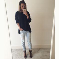 #basic #black #bluejeans #heels Sara Boruc-Mannei (@sinbymannei_com) • Zdjęcia i filmy na Instagramie