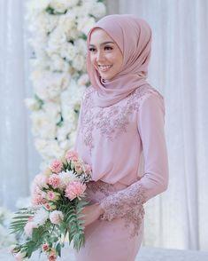 Muslimah Wedding Dress, Sheer Wedding Dress, Muslim Wedding Dresses, Lace Bridesmaid Dresses, Dream Wedding Dresses, Bridal Dresses, Hijab Bride, Bridesmaids, Baju Kurung Lace