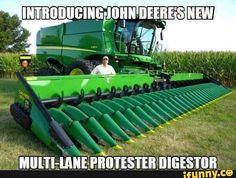Looks like a John Deere or Farm Jokes, Farm Humor, Old Farm Equipment, Heavy Equipment, John Deere Combine, Modern Agriculture, Redneck Humor, Combine Harvester, Political Memes