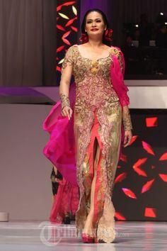 20140904_154801_fashion-show-anne-avantie-25-tahun-berkarya.jpg