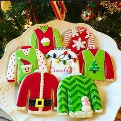 Christmas Sweater Cookies | Crumbles by Nicole