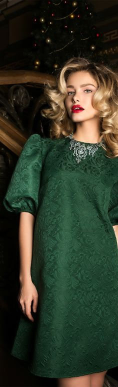 ℳiss Greta is Green with Envy  {some days I enjoy wearing the color of money}  Poppy Pea