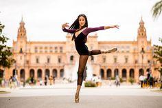 Un paseo por la danza: Marta en la plaza de España