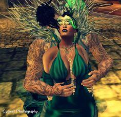 masqurade ball 2013 Queen hazy and Waagwan
