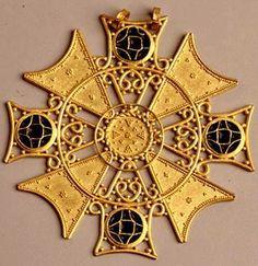 Rosamaria G Frangini | High Jewellery Ancient | Andrea  Cagnetti