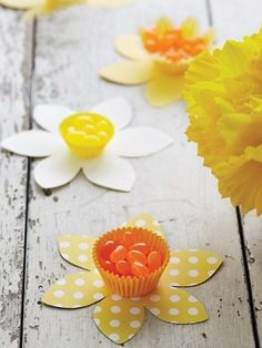 Get papering for Spring. Daffodil candy cups by Martha Stewart