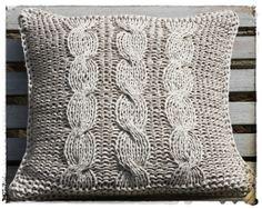 Stijlvol gebreid kussens met kabelsteek Throw Pillows, Toss Pillows, Cushions, Decorative Pillows, Decor Pillows, Scatter Cushions
