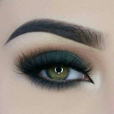 Fabulous Green Eyes Makeup Ideas To Look Natural 26