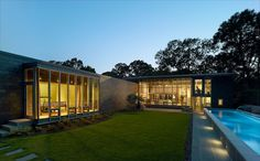 AIA Names 10 Housing Award Winners for 2016 | Oak Ridge House by Duvall Decker Architects, P.A. #interiordesignmagazine #interiors #design #projects #architecture #customhousing