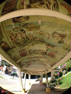 O ponto de ônibus mais antigo de São Paulo! Localizado no bairro da Lapa.