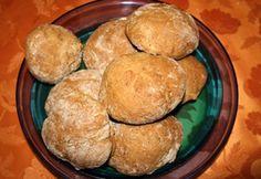 Tönkölykenyér és zsemle Cornbread, Bakery, Muffin, Sweets, Breakfast, Ethnic Recipes, Food, Millet Bread, Morning Coffee