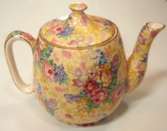 Royal Winton 'Wellbeck' small teapot - Royal Winton - Ceramics - Carter's Price Guide to Antiques and Collectables