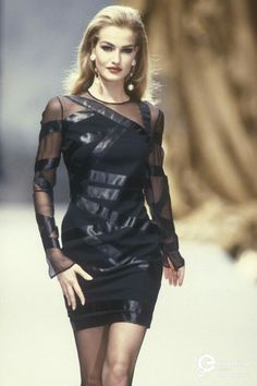 Karen Mulder - Chanel Haute Couture F/W 1991