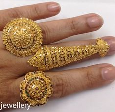 Gold Jewelry In China 24k Gold Jewelry, Hand Jewelry, Gold Bangle Bracelet, Gold Bangles, Hand Ring Design, Gold Ring Designs, Gold Accessories, Bridal Jewelry Sets, Jewelry Patterns