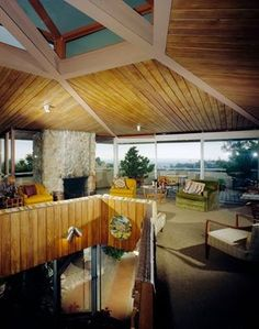 The Zahn House designed by architect John Lautner. Discover his works clicking on the image.