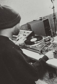 Dilla on the boards Dj Music, Music Stuff, Music Is Life, Good Music, Hip Hop And R&b, Love N Hip Hop, Hip Hop Rap, J Dilla, Looney Tunes
