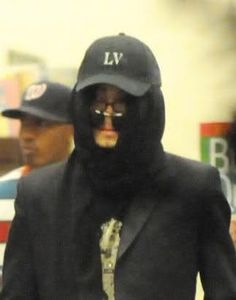 MJ wore two pairs sunglasses at once during his Barnes&Noble visit on May 20, 2008 in Las Vegas. That must be convenient: carrying them together.