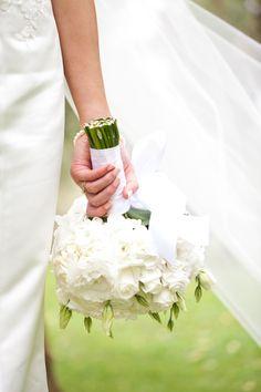 Gorgeous flowers  #green #white #bouquet #wedding #bubblerock