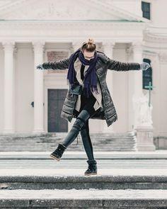 Dancing through the snow in Viennaa 😝 Top Blogs, Vienna, Dancing, Punk, Snow, Lifestyle, City, Womens Fashion, Instagram