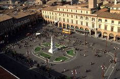 Piazza Saffi -   Where you can eat lunch   kebabs and gelato