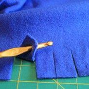 no-sew fleece blanket edging-so much cuter than the knotted edging! diy No See Fleece Blanket, Fleece Baby Blankets, Tie Knot Blanket, Diy Blankets No Sew, Crochet Edges For Blankets, Couch Blanket, Crochet Blanket Edging, Fleece Hats, Flannel Blanket