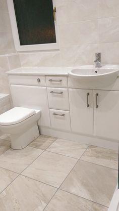 Buyer's Guide to Selecting Corner Bathroom Cabinets for Your Bathroom - Life ideas Bathroom Sink Units, Bathroom Bench, Fitted Bathroom, Beige Bathroom, Wooden Bathroom, Bathroom Cabinets, Bathroom Furniture, Bathroom Interior, Loft Bathroom