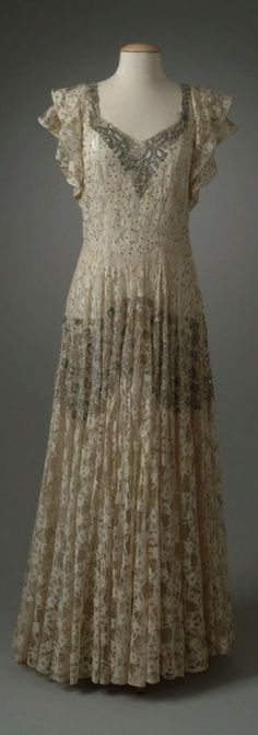 France. 1945 dress // The Meadow Brook Hall Historic Costume Collection