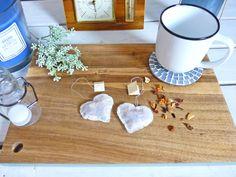 Teebeutel selber machen – Süße Teebeutel Herzen als Last Minute Geschenk für jeden Anlass – Aye, Aye DIY Diy Weihnachten, Diy Room Decor, Home Decor, 5 Minute Crafts, Easy Crafts, Life Hacks, Presents, Simple, Blog