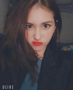 Kpop Girl Groups, Kpop Girls, K Pop, Jeon Somi, Ulzzang Korean Girl, Tumblr Girls, Korean Beauty, Girl Crushes, Asian Girl