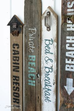 Love summer themed old signs? Here's how to make your own rustic beach, lake, and bed & breakfast signs out of reclaimed wood, using Funky Junk's Old Sign Stencils. Diy Wood Signs, Pallet Signs, Rustic Signs, Barn Wood Crafts, Creation Art, Sign Stencils, Old Signs, Pallet Art, Diy Pallet