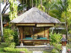 BALI... Masaje en el jardín