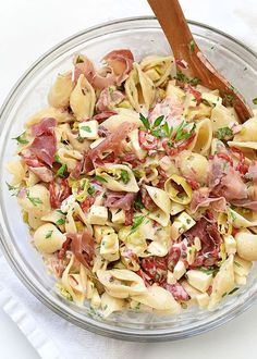 Macaroni Salad w/ Smoked Mozzarella & Proscuitto: Foodie Crush Summer Dishes, Summer Salads, Bbq Salads, Side Dish Recipes, Side Dishes, Creamy Macaroni Salad, Mozzarella Salat, Smoked Mozzarella Recipe, Cooking Recipes