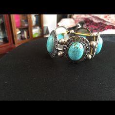 Beautiful bracelet Brand new. Never worn Jewelry Bracelets