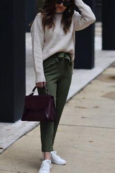 6 petite outfit dilemmas... solved! -Bomb Petite Short Girl Fashion, Fashion For Petite Women, Petite Fashion Tips, Petite Outfits, Modest Fashion, Fashion Outfits, Women's Fashion, Trouser Outfits, Casual Outfits