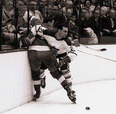 Bobby Baun, One of the hardest workin Leafs ever! Hockey Puck, Hockey Players, Ice Hockey, Hockey Baby, Hockey Highlights, Canada Hockey, Stanley Cup Finals, Different Sports, Broken Leg