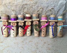 Cork Christmas Trees, How To Make Christmas Tree, Snowman Christmas Ornaments, Snowman Crafts, How To Make Ornaments, Christmas Crafts, Burlap Christmas, Halloween Crafts, Wine Cork Art