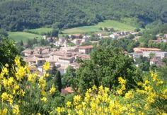 Mercatello sul Metauro è una deliziosa cittadina di origine medievale della provincia di Pesaro e Urbino nelle #Marche, perfettamente incastonata nella verdissima valle ...