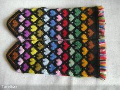 Sticka sockor – steg för steg – Fitt F Fingerless Mittens, Knit Mittens, Wrist Warmers, Knitting Patterns, Gloves, Colours, Wool, Blanket, Crochet